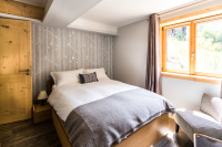 Ensuite master bedroom in ski chalet